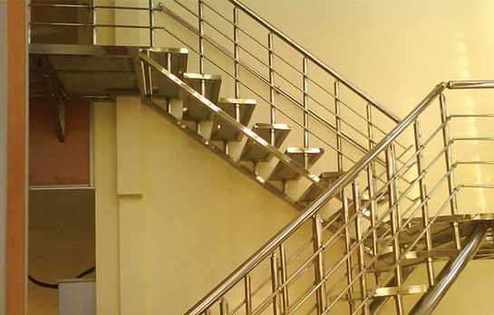 پله استیل 1